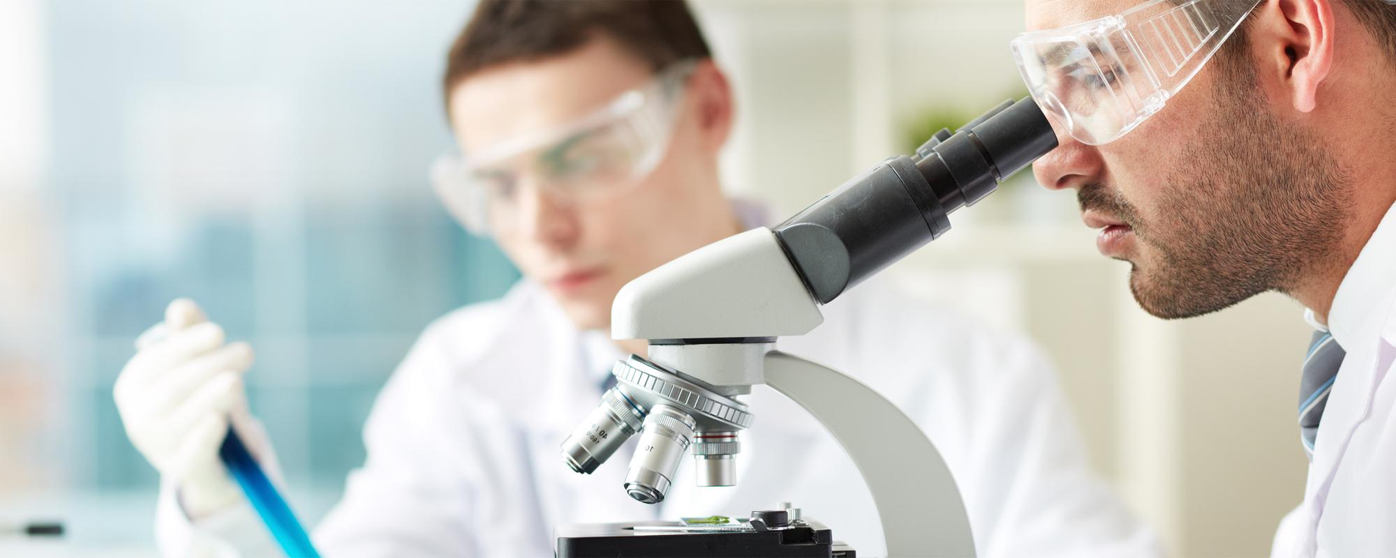 <span>Dermotrychologia</span><br />Produkty i specjaliści, którym <span>możesz zaufać</span>